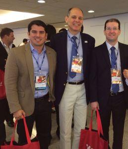 Hallison Castro e os urologistas Celso e Luiz Toledo da Santa Casa de São Paulo (SP)